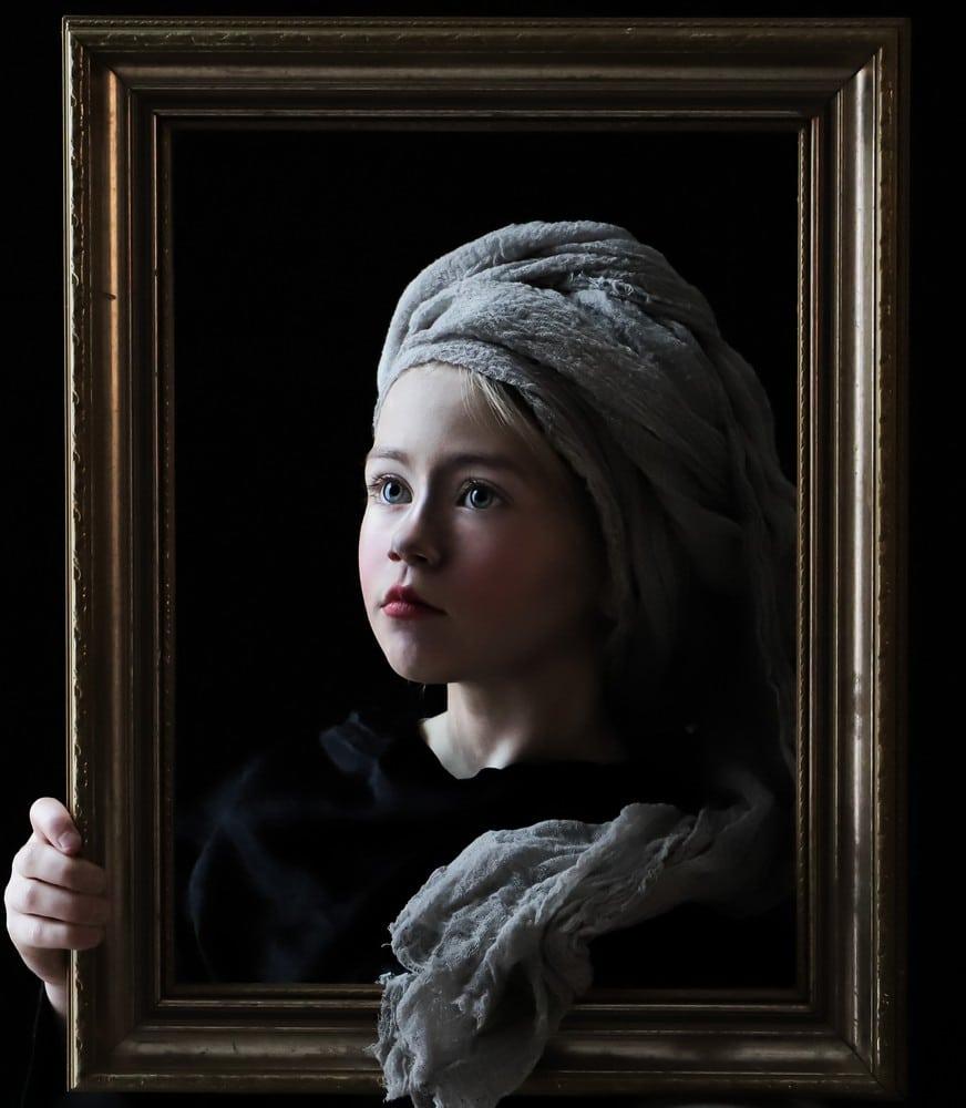 Girl in the frame (grey silk, version #1)
