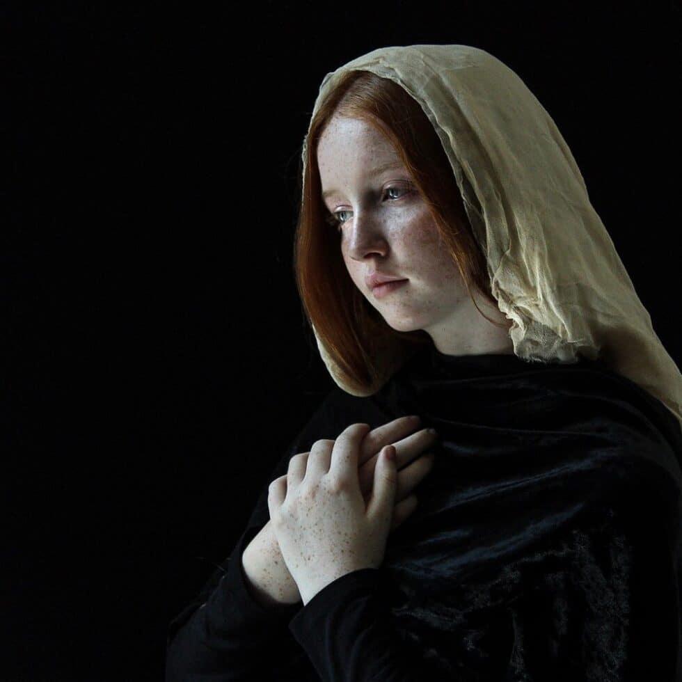 Angelic (Izzy, folded hands)