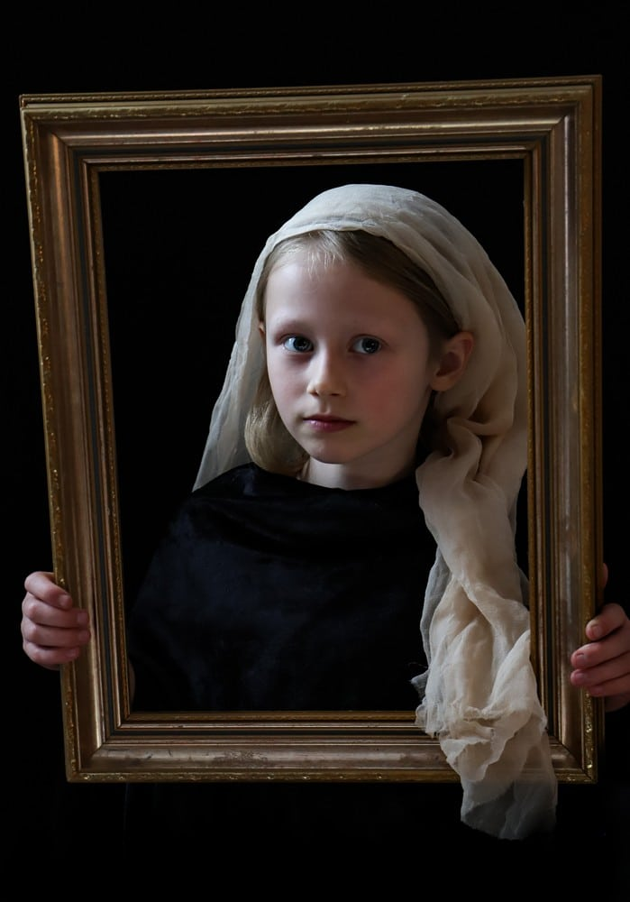 Girl in the frame (apricot silk, version #1)